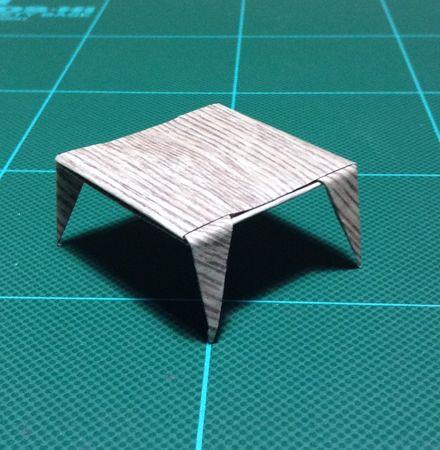 画像2:テーブル斜め