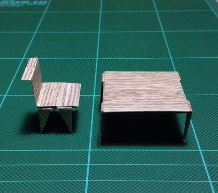 画像4:テーブルとイス