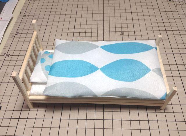 画像:[ミニチュア雑貨] 掛け布団と枕