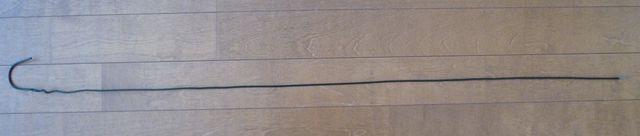 画像:スーパーの買い物かご > 針金をまっすぐに伸ばす